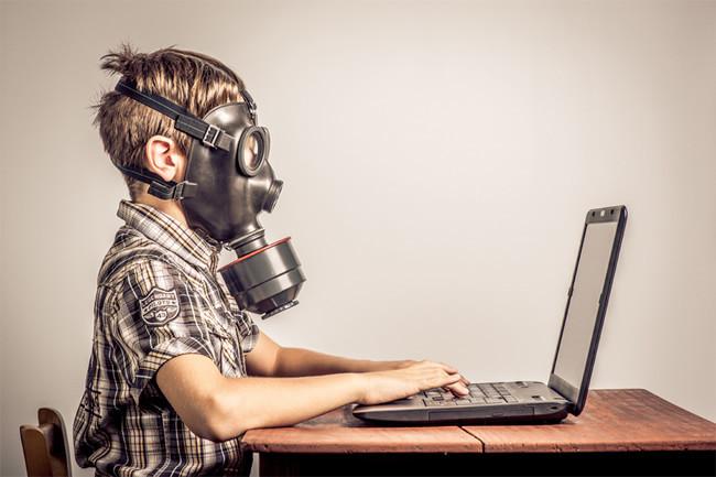 Çocuklar İnternete Ebeveyn Kontrolünde Mi Girmeli?